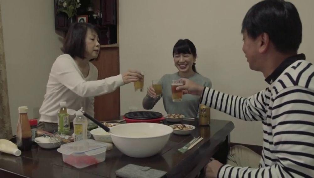 Una empresa japonesa permite alquilar familiares y amigos por 44 euros la hora
