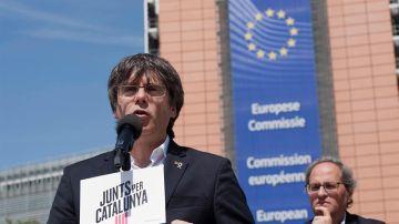 Carles Puigdemont en un acto electoral junto a Torra