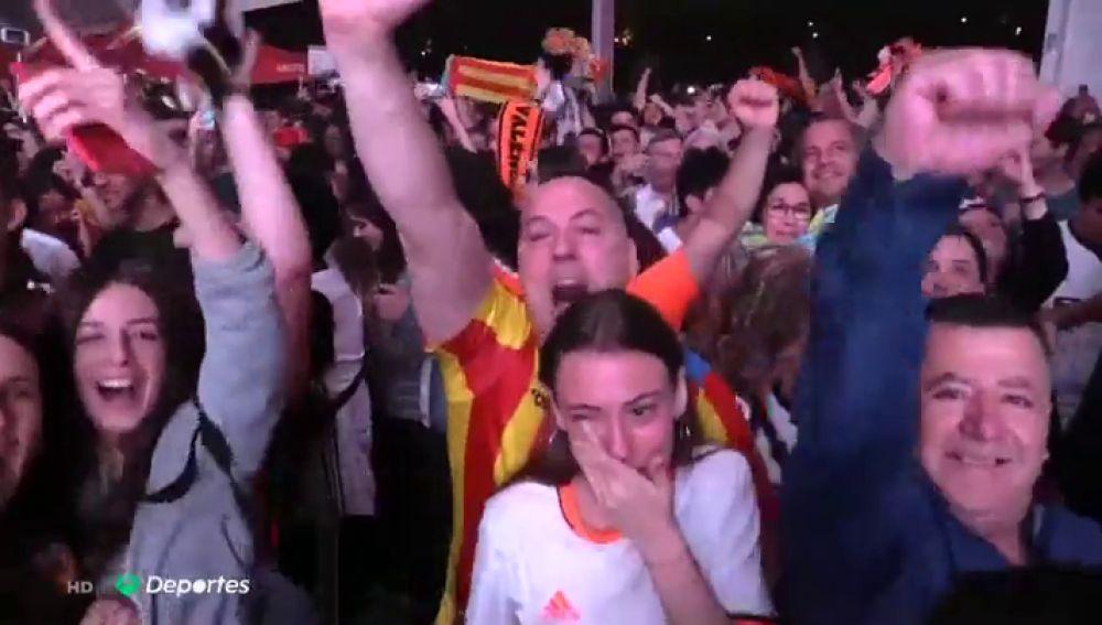 """Fiestón en Valencia tras ganar la Copa del Rey: """"Con ganas de llorar pero de la emoción no me salen ni las lágrimas"""""""