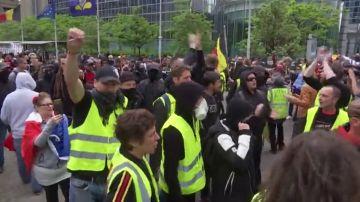 Los chalecos amarillos causan destrozos en Bruselas