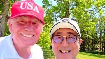 Trump se hace un selfie en su visita a Japón