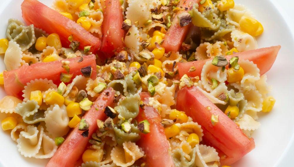Ensalada de tomate y pasta