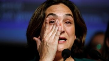 Ada Colau rompe a llorar la noche del 26M