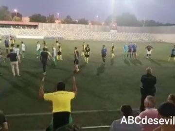 Pelea multitudinaria en un partido de fútbol en Alcalá de Guadaira