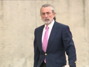 Francisco Correa, condenado a casi siete años de cárcel por prevaricación y fraude en contratos de Aena