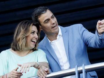 Pedro Sánchez, junto a la secretaria general del PSOE andaluz, Susana Díaz