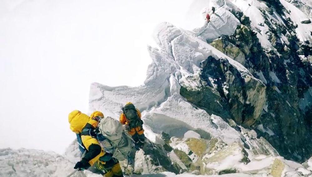 REEMPLAZO El vídeo grabado por un escalador británico antes de morir en el Himalaya