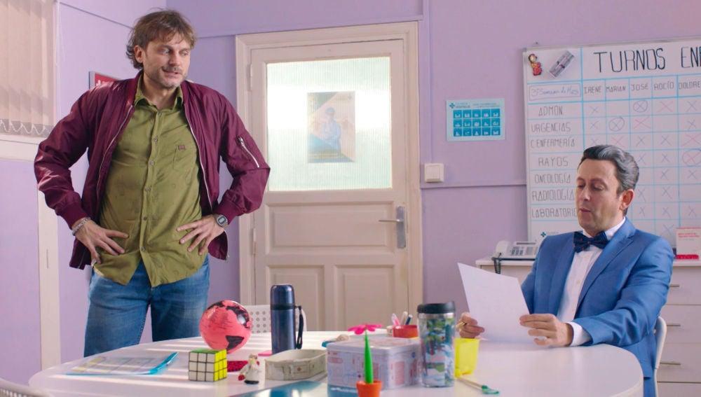 Cristóbal intenta sobornar a Jozé con una propuesta muy tentadora