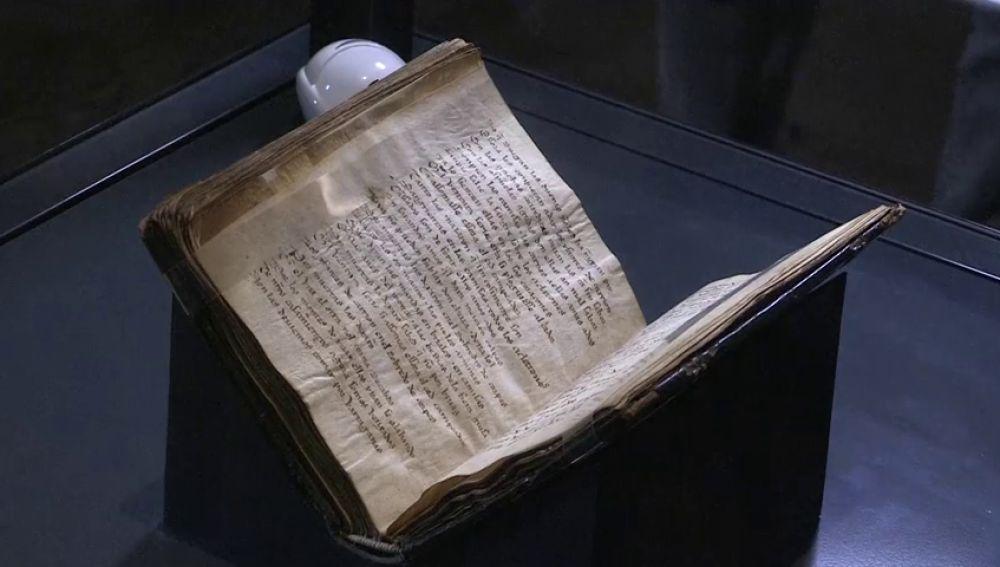 El códice del Cantar del Mío Cid se exhibe al público tras seis siglos bajo llave