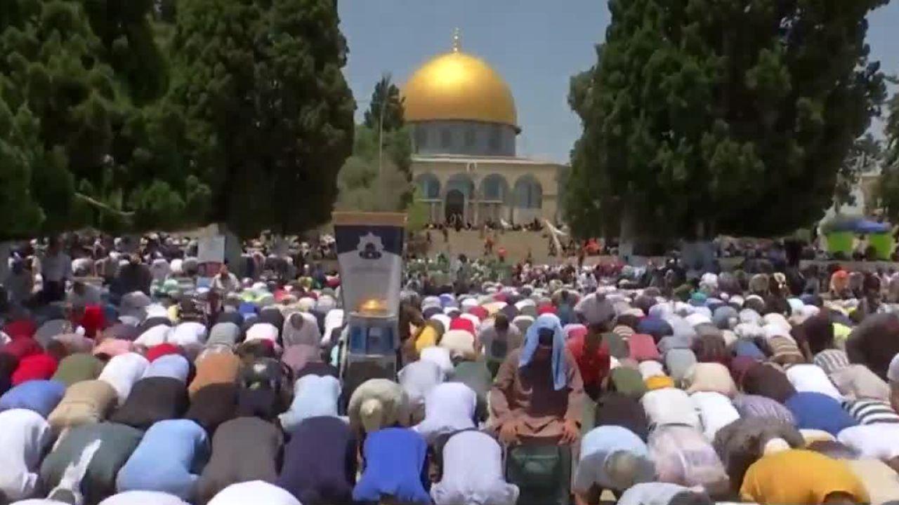 El Mundo Musulmán Celebra El Fin Del Ramadán