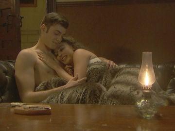 La primera noche de pasión y amor entre Lola y Prudencio