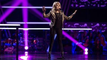 Helena Bianco canta 'Ayúdala' en los Asaltos de 'La Voz Senior'
