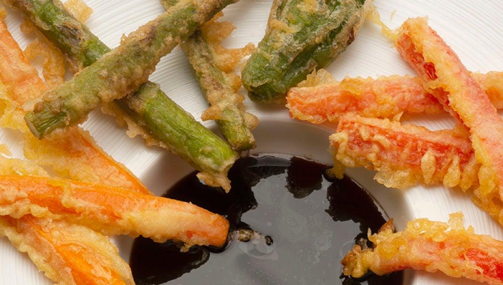 Verduras rebozadas con salsa agridulce
