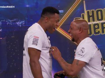El ataque de risa de Roberto Carlos y Julio Baptista al imitar a Florentino Pérez en 'El Hormiguero 3.0'