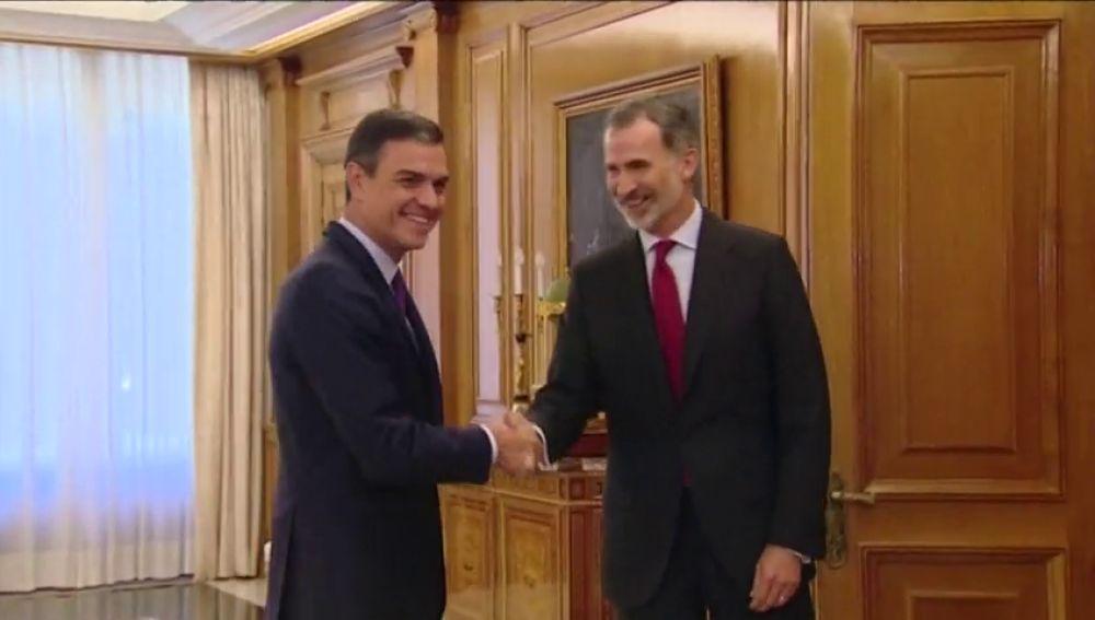 Pedro Sánchez acude a la Zarzuela para la ronda de consultas con Felipe VI