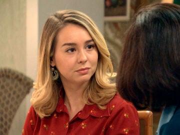 Luisita se rompe ante la frialdad de Amelia
