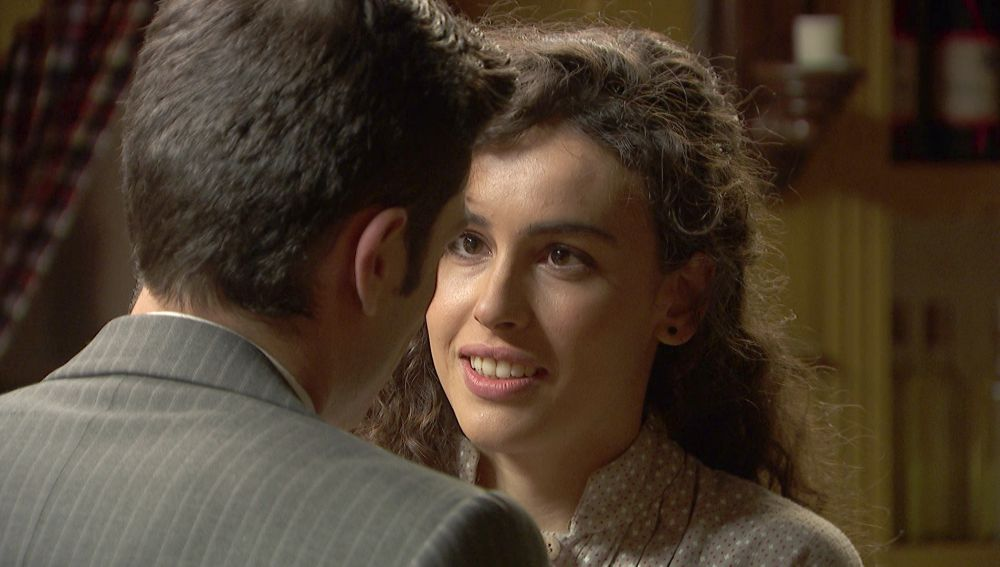 Lola y Prudencio se confiesan su amor sin miedos