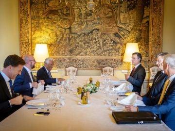 Sánchez y resto de líderes negociadores inician en Bruselas conversaciones para reparto de altos cargos en UE