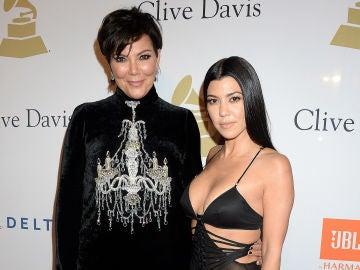 Kourtney Kardashian, junto a su madre Kris Jenner