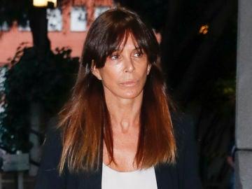 Lydia Bosch en el tanatorio tras el fallecimiento de Chicho Ibáñez