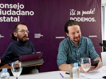 El líder de Podemos Pablo Iglesias, y Pablo Echenique