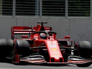 Vettel, a bordo de su Ferrari