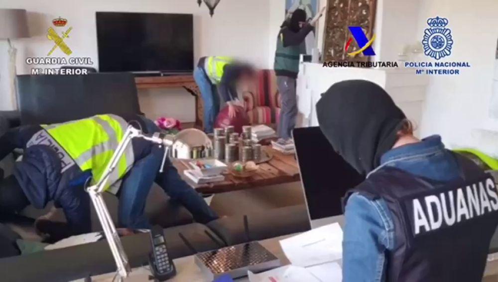 Desmantelan una red de narcotraficantes que introducía cocaína en contenedores a través del Puerto de Algeciras