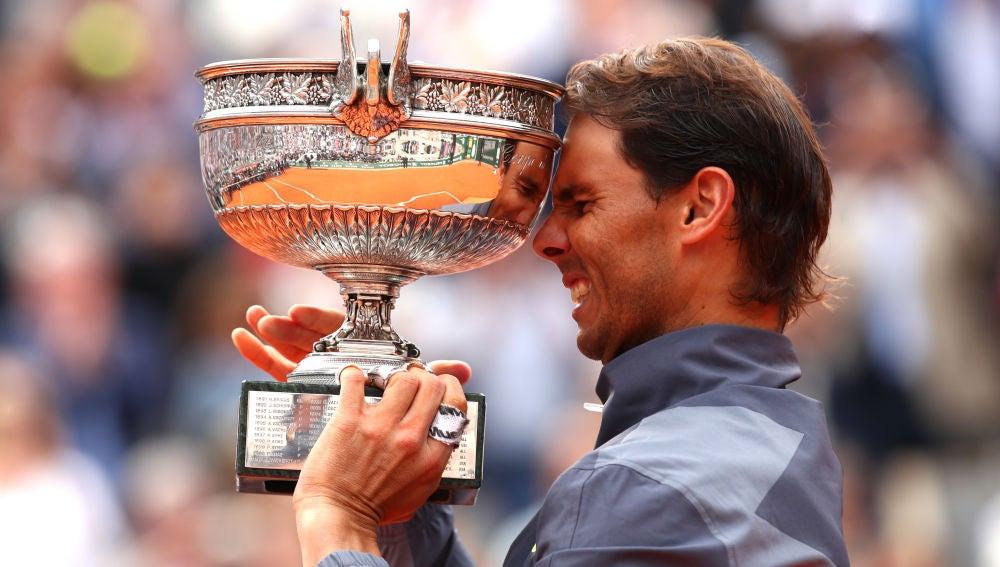 Rafa Nadal levanta el título de Roland Garros 2019