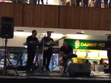 La banda de música tocando