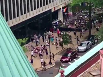 Pánico entre los asistentes al desfile del orgullo Gay por un supuesto tiroteo