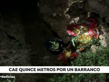 Una motorista resulta herida grave tras caer por un barranco en la carretera de Banyalbufar a Esporles