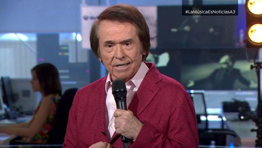 Raphael canta en exclusiva 'Te estoy queriendo tanto' para la web de Antena 3 Noticias