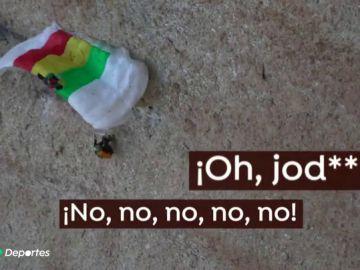 Pudo acabar en tragedia: un paracaidista pierde el control y se rompe el tobillo al chocarse contra las rocas