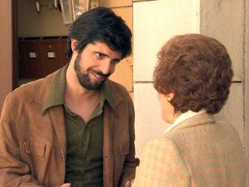 Vicente se gana la confianza de Benigna y entra a trabajar en el King's