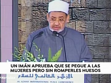 """El imán de Al Azhar asegura que un hombre puede pegar a su mujer """"siempre y cuando ningún hueso resulte roto"""""""