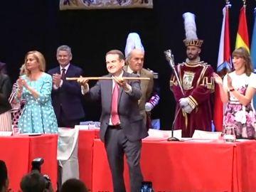 El socialista Abel Caballero coge el bastón de mando por cuarta vez en Vigo