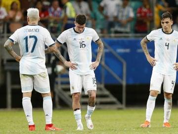 Los jugadores de Argentina, cabizbajos