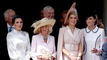 La reina Letizia deslumbra con su look junto a la Duquesa de Cornualles, Máxima de Holanda y la duquesa de Cambridge