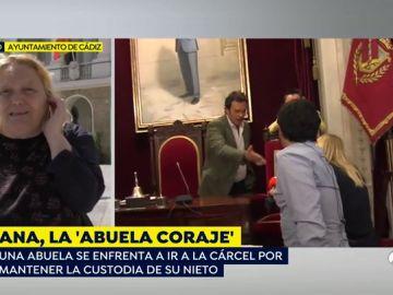 """Ana, 'la abuela coraje' de Cádiz: """"Tuve que echar a mi hijo drogadicto de casa para cuidar a mi nieto"""""""