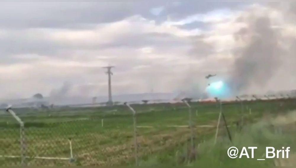 Un helicóptero choca con el tendido eléctrico mientras extinguía un incendio en Coreses (Zamora)
