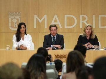 El alcalde de Madrid, José Luis Martínez-Almeida, y la vicelacaldesa, Begoña Villacís