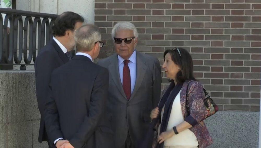 Los expresidentes del Gobierno homenajean a Felipe VI por asentar el orden constitucional