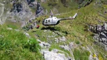 """""""El niño está sano y salvo"""", así ha sido el momento del rescate del niño perdido en Picos de Europa"""