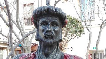 El busto de Abderraman III retirado