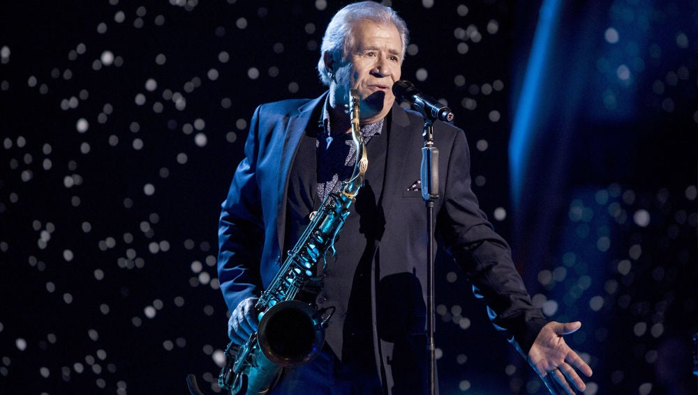 Semifinal: Juan Mena canta 'Tengo una debilidad' en 'La Voz Senior'