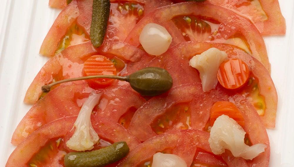Receta de ensalada de tomate y encurtidos