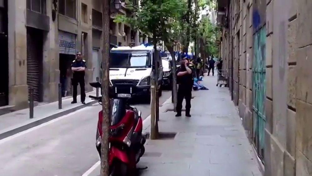 Macrooperación policial en el Raval contra una organización criminal dedicada al narcotráfico