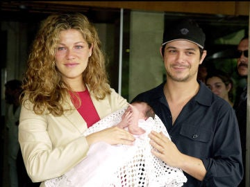 Jaydy Michel y Alejandro Sanz presentan a su hija Manuela