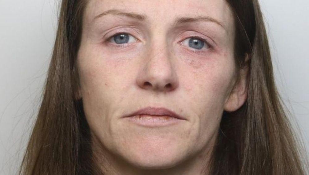 Kim Frost, la mujer condenada por agredir a su hijo