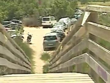 El parking de la playa donde ocurrieron los hechos